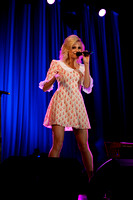 Pixie Lott singing in Derry-1
