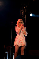 Pixie Lott singing in Derry-5